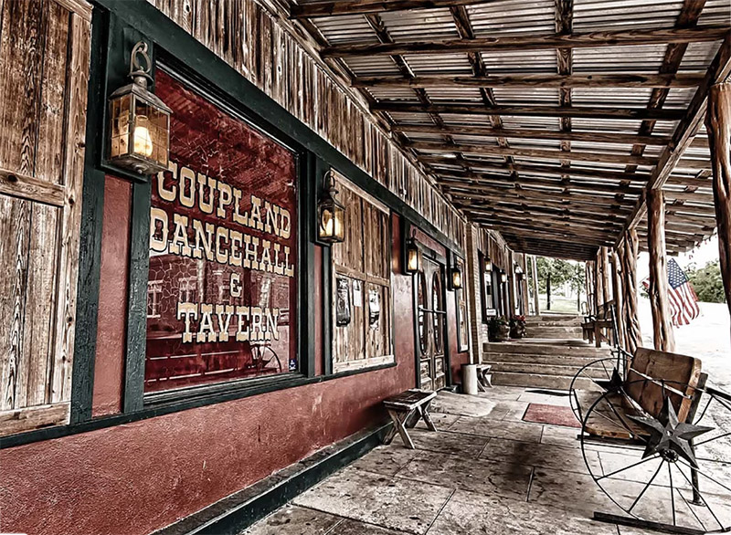 Coupland Dance Hall & Tavern - www.hollandphoto.com